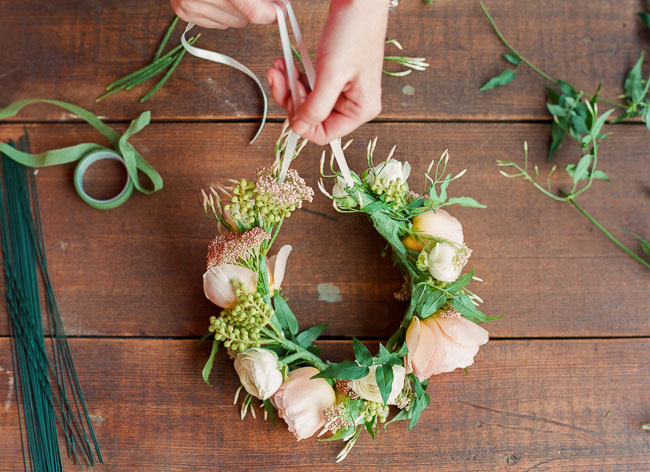 Как делать венки на голову из цветов на
