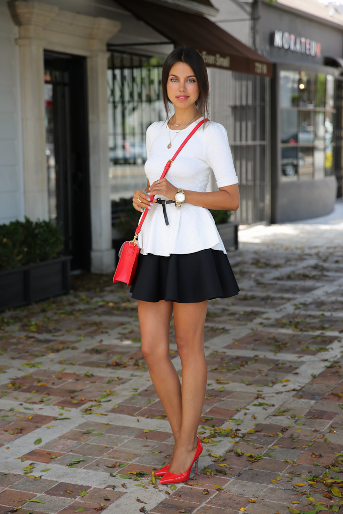 marc_jacobs_red_bag_vivaluxury